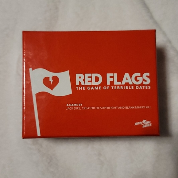 2 for $20 🌻 Red flags card game